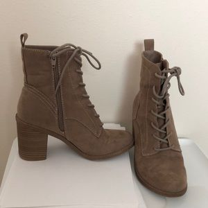 Dolcetta Suede Boots Size 7 1/2 M